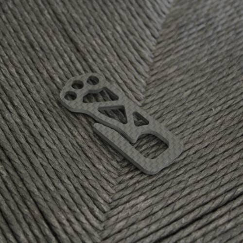 Carboneer Ultralight Minimal Carbon Fiber Key Clip   Bastion