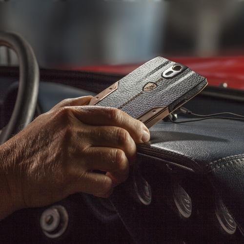 88 Tauri Smartphone   Brown Leather   Gold